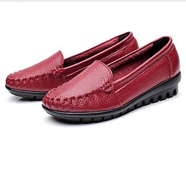 Naiset Kengät Nahka Kevät Syksy Comfort Mokkasiinit Matala korko Pyöreä kärkinen Käyttötarkoitus Kausaliteetti Puku Musta Punainen