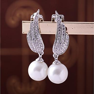 6322ad0365eb Mujer Zirconia Cúbica Pendientes con clip Aretes Forma de Hoja Pluma Moda  Elegante Joyas Blanco Para Boda Pedida 1
