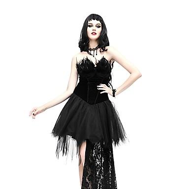 La mujer del vestido negro