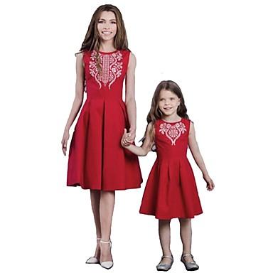 billige Familie-tøjsæt-Mommy og mig Aktiv Basale Ensfarvet Geometrisk Trykt mønster Uden ærmer Normal Knælang Normal Bomuld Kjole Rød