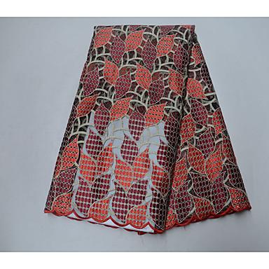 Afrikansk spets Blommig Broderi 120 cm bredd tyg för Brudkläder såld vid Yard