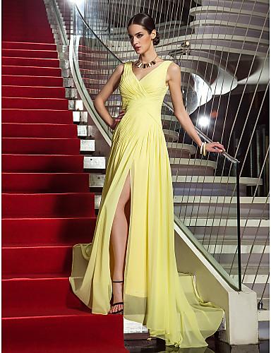 Sütun V Yaka Süpürge / Fırça Kuyruk Jorget Haç Ayrık Ön ile Balo Elbise tarafından TS Couture®