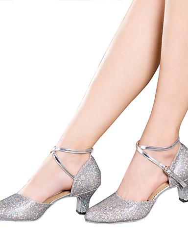 povoljno Cipele za ples-Žene Plesne cipele Svjetlucave šljokice / Sitne šljokice / Sintetika Cipele za latino plesove Šljokice / Aplikacije / Svjetlucave šljokice Sandale / Štikle / Tenisice Kubanska potpetica Nemoguće