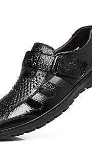 Miesten Comfort-kengät Nahka Kesä Sandaalit Musta / Ruskea
