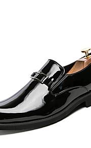 Miesten Comfort-kengät Kiiltonahka Kevät kesä Vapaa-aika Oxford-kengät Non-liukastumisen Color Block Musta / Punainen / Sininen