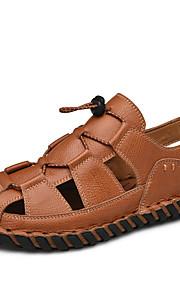 Miesten Comfort-kengät Nahka Syksy / Kevät kesä Urheilullinen / Vapaa-aika Sandaalit Hengittävä Musta / Ruskea