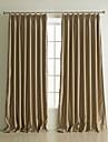 Deux Panneaux Le traitement de fenetre Neoclassique , Relief Couleur Pleine Salle de sejour Polyester Materiel Rideaux occultants rideaux