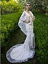 Trompetă / Sirenă Pătrunderea cremelor Trenă Court Dantelă Rochie de mireasă cu Paiete Flori de LAN TING BRIDE®